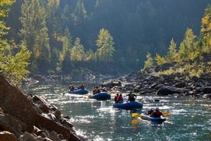 Glacier Guides & Montana Raft Company :: We are adventure travel experts having guided families on raft trips for over 25 years. Select from 1/2-day, full-day, horseback/raft and dinner BBQ & raft combo trips.