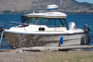 Wildhorse Express Boat Tours :: Providing private tours of Wildhorse Island for groups up to 8, aboard our 22-foot boat. Specializing in 4-5 hour lake tours, with a 2+ hour stop to hike Wildhorse Island.