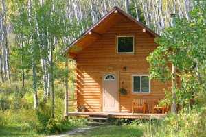 JJJ Wilderness Ranch - great family cabins :: Warm, well-maintained Montana Cabins are just one reason to enjoy a 6-night stay at our all-inclusive Montana guest ranch. Tons of fun, gorgeous scenery, and awesome food.