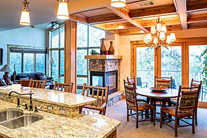 Marina Cay Resort - luxury lakeside condo suites