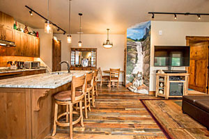 Whitefish Escapes - gorgeous condo & townhomes