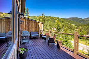 Whitefish Escapes - family-sized lodge rentals