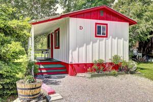 Glacier Peaks   Value-Priced Cabins