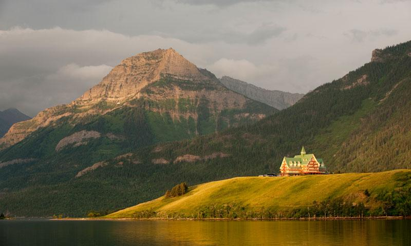 Lodging In Glacier National Park Hotels Lodges